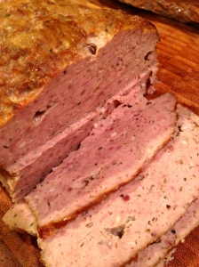 Slice the cold meat in 1/8 slices.