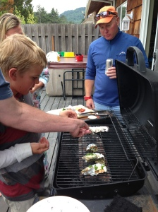 The contestants pulling their oysters.  Trevor has still not moved from shark position.